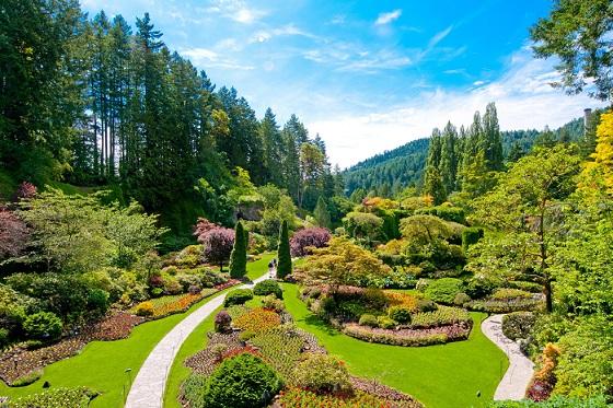 Canada_Victoria_Butchart Gardens3_560X373