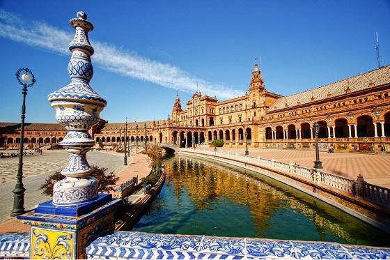 Spain_Seville_560X373