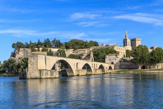 France_Avignon_560X373