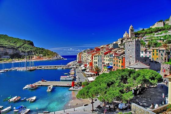 Italy_Cinque Terre_560X373