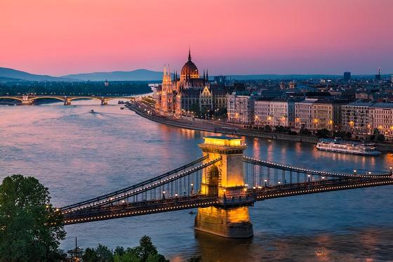 Hungary_Budapest_113183983
