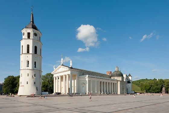 Lithuania_Vilnius_Cathedral Square4_560X373