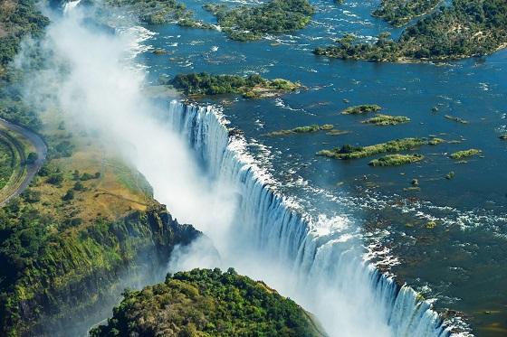 Zimbabwe_Victoria Fall2_560X373