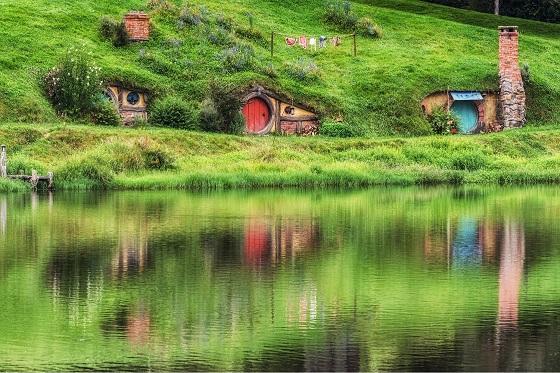 Newzealand_Hobbiton2_560X373