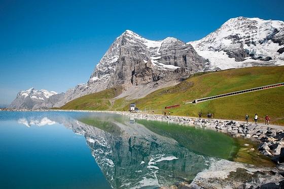 Jungfrau3_560X373
