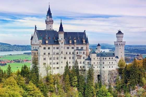 Germany_Neuschwanstein1_560X373
