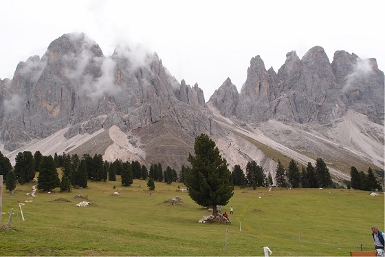 Right top corner   Dolomites560x373