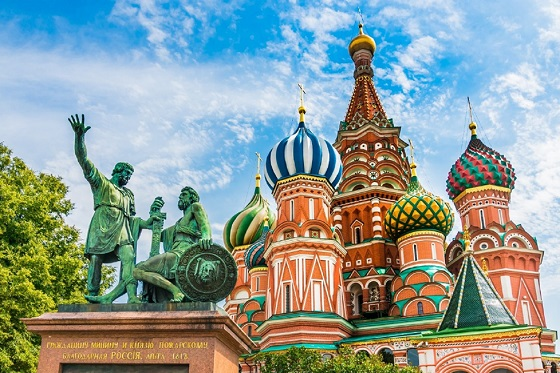 Russia_St. Basil Cathedral_560X373
