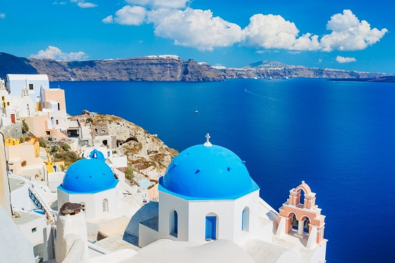 Greece_Santorini2_560X373