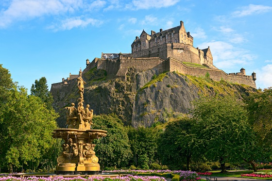 Britain_Scotland_Edinburgh_Edinburgh Castle_560X373