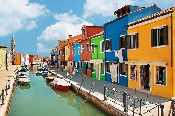 Italy_Burano island_3_560x373