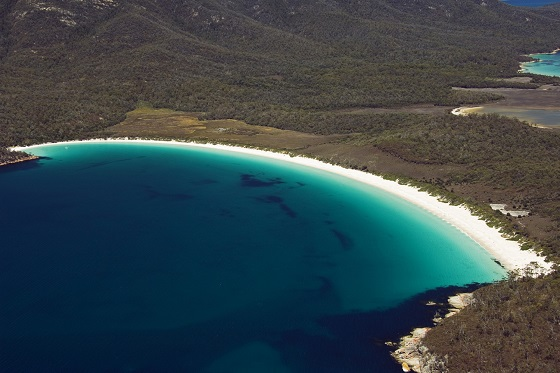 Australia_Wineglass Bay2_560X373