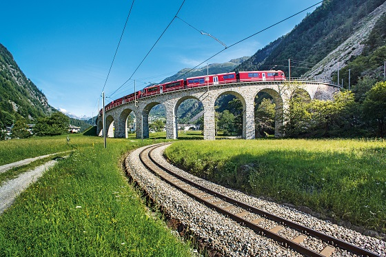 BERNINA-EXPRESS: Kreisviadukt Brusio