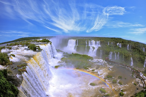 Brazil_Iguassu_Iguassu Falls_560x373