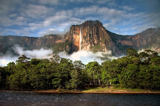 Venezuela_canaima_Angel Fall_560x373