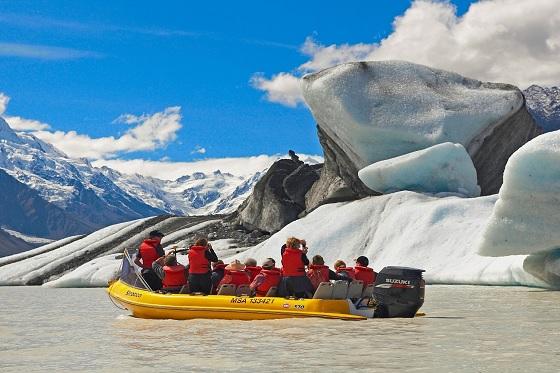 Tasman Glacier Explorer_560x373