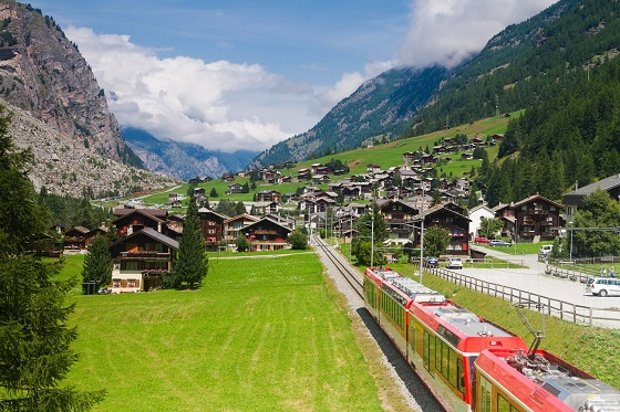 Switzerland_Glacier Express3_560X373