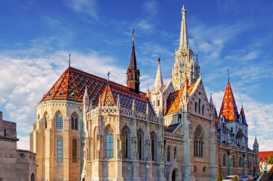 Hungary_Budape_St. Mathias Church_560X373