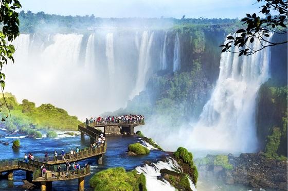 Argentina_Iguassu_Iguassu Falls8_560X373