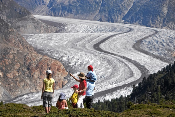 Switzerland_Aletsch Glacier3_560x373