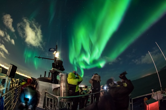 19-Special Tours - Northern Lights by Boat (25)