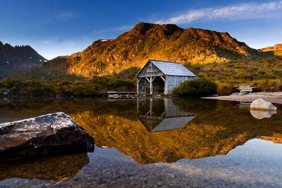 Australia_Dove Lake_560X373