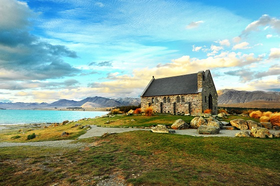 NewZealand_Lake Tekapo Church3_560X373