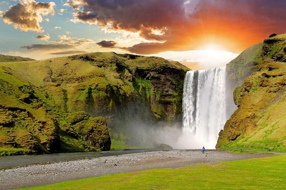 Iceland_Skogarfoss_560X373