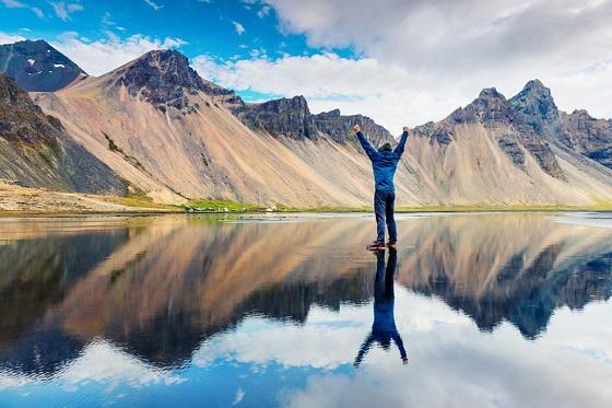 Iceland _Vestrahorn (Batman Mountain)_560x373